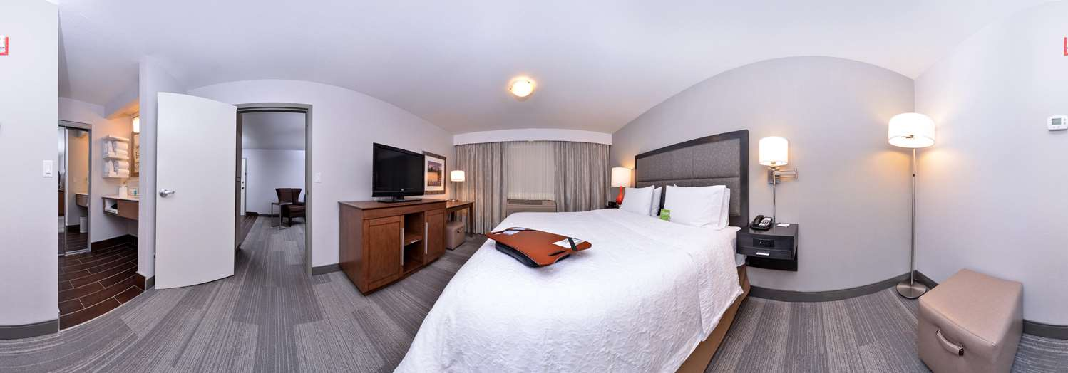 Suite - Hampton Inn & Suites University Northwest Calgary