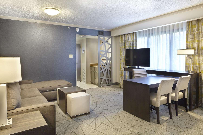 Room - Embassy Suites Galleria Atlanta