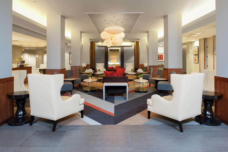 Lobby - DoubleTree by Hilton Hotel North Shore Skokie