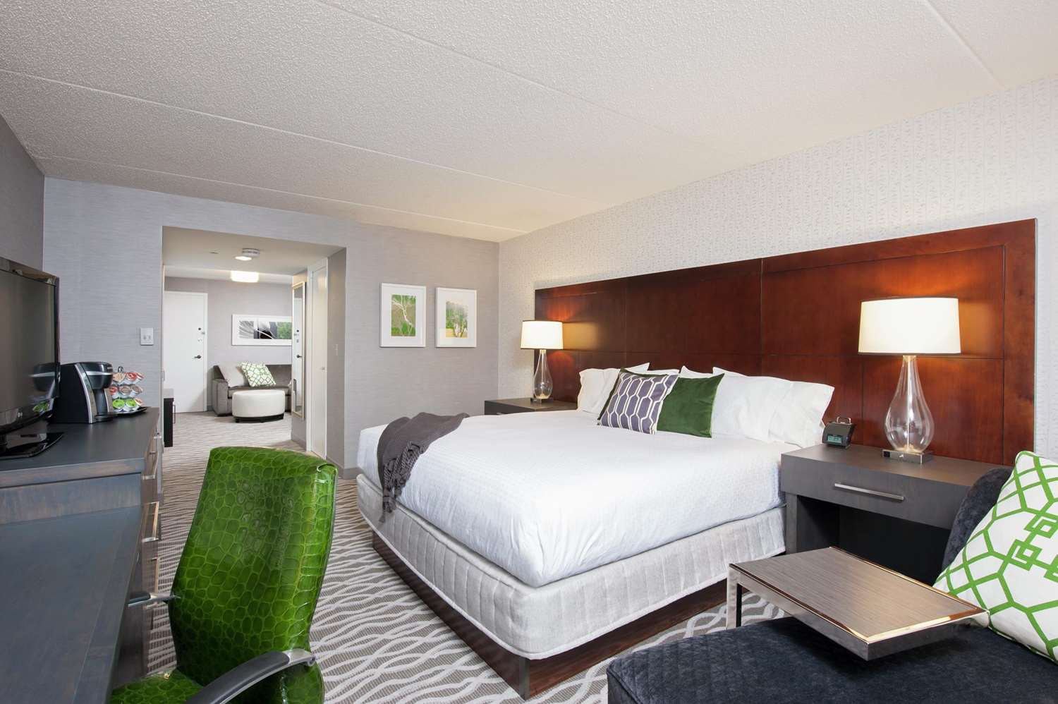 Room - DoubleTree by Hilton Hotel North Shore Skokie