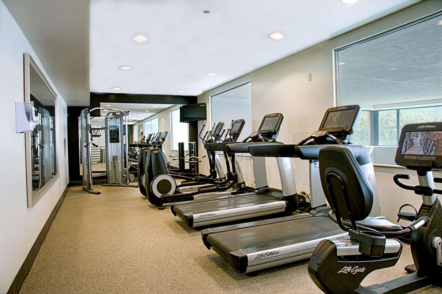 Fitness/ Exercise Room - Embassy Suites O'Hare Airport Rosemont