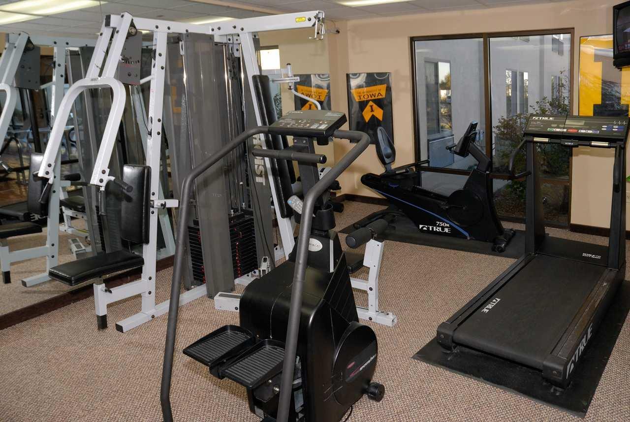 Fitness/ Exercise Room - Hampton Inn Coralville