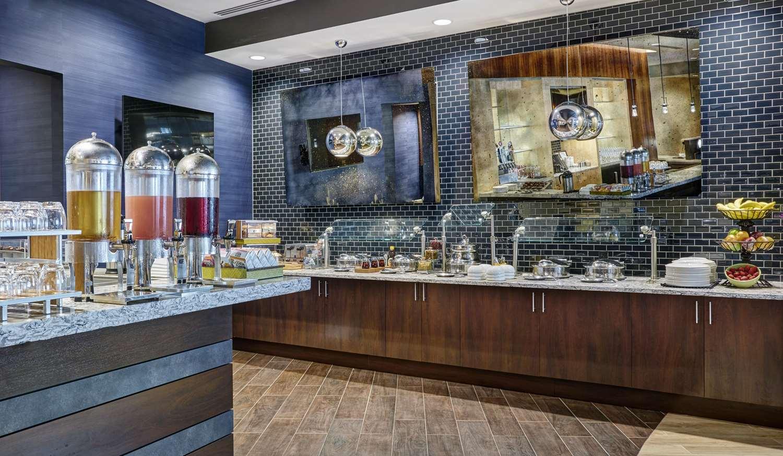 Restaurant - DoubleTree by Hilton Hotel Gateway Village Charlotte