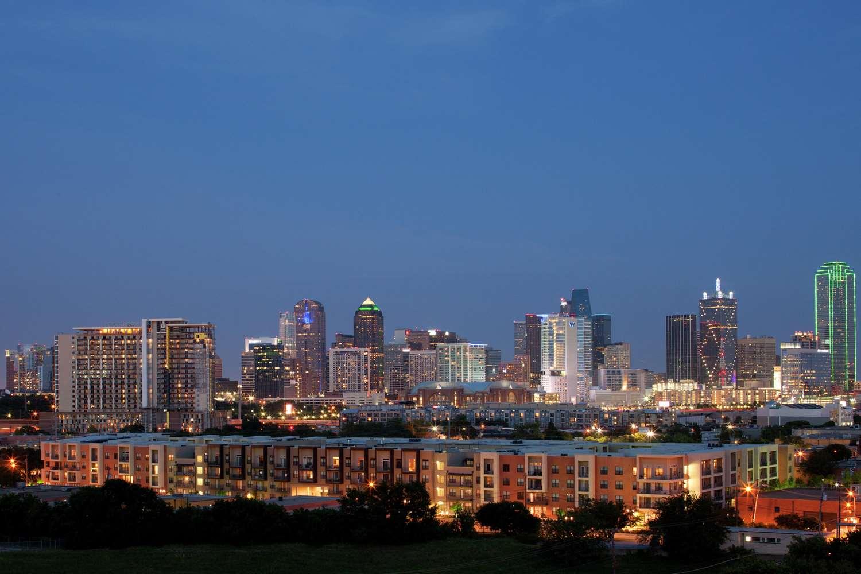 Amenities - DoubleTree by Hilton Hotel Market Center Dallas