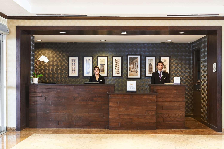 Lobby - DoubleTree by Hilton Hotel Market Center Dallas