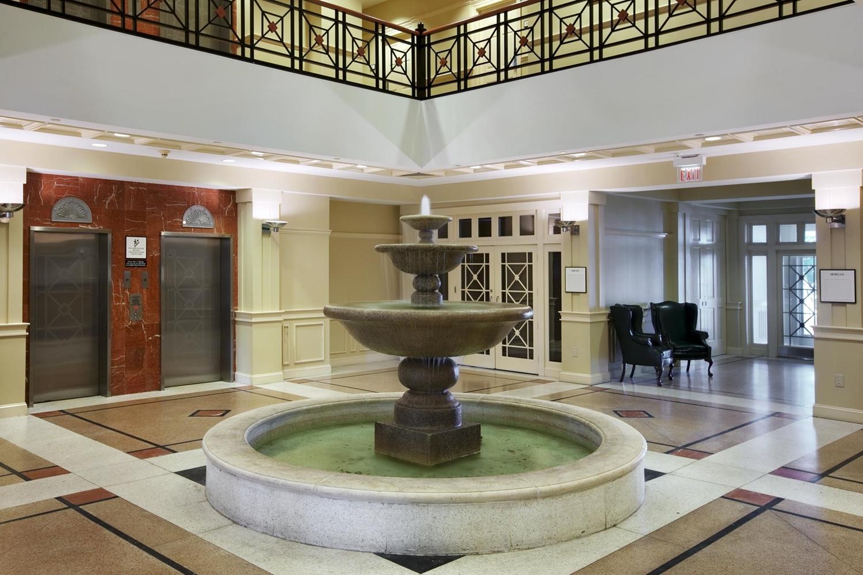 Lobby - DoubleTree by Hilton Hotel Riverfront New Bern