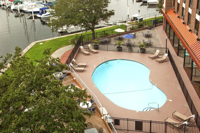 Pool - DoubleTree by Hilton Hotel Riverfront New Bern