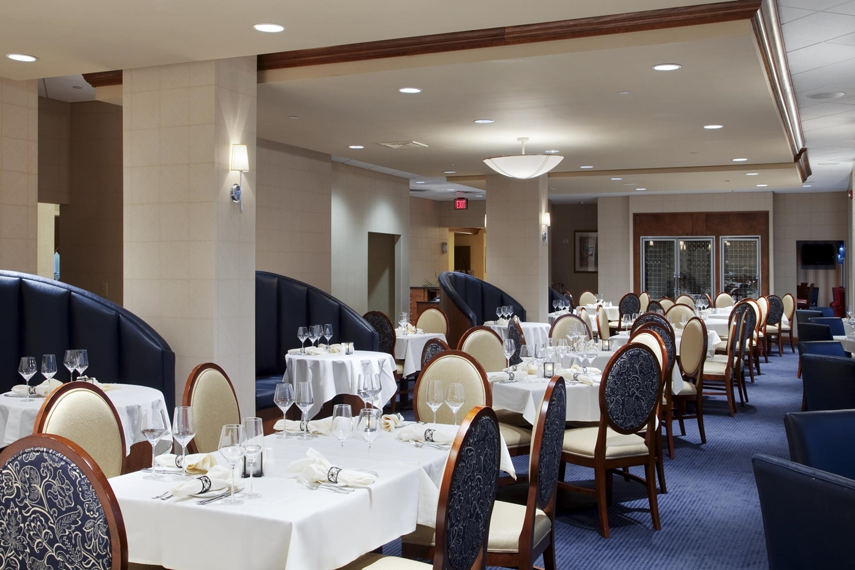 Restaurant - DoubleTree by Hilton Hotel Riverfront New Bern