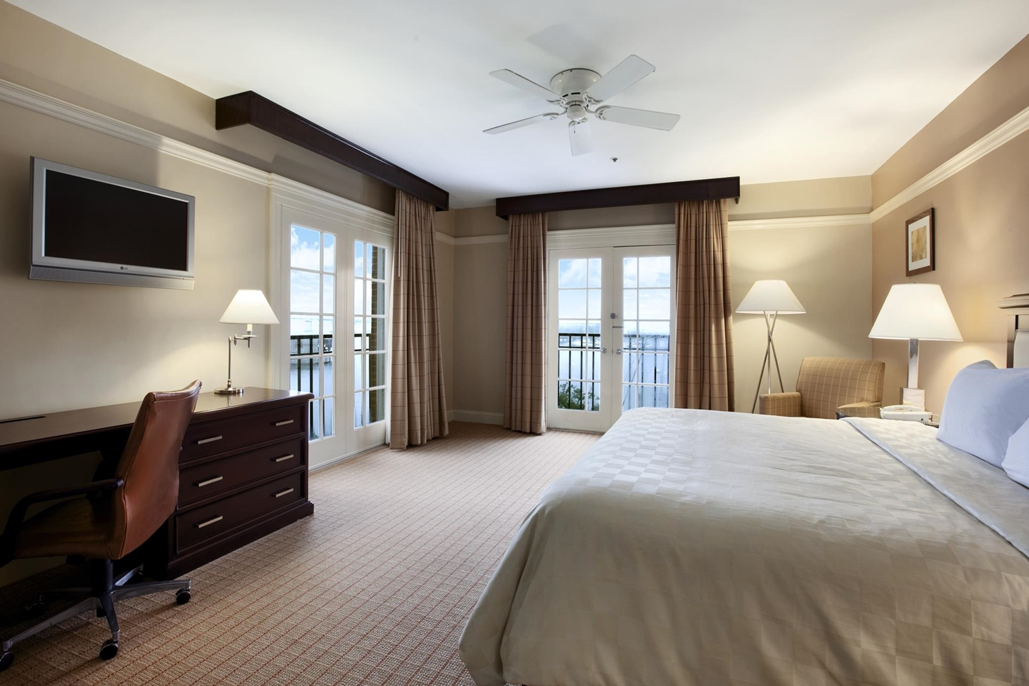 Room - DoubleTree by Hilton Hotel Riverfront New Bern