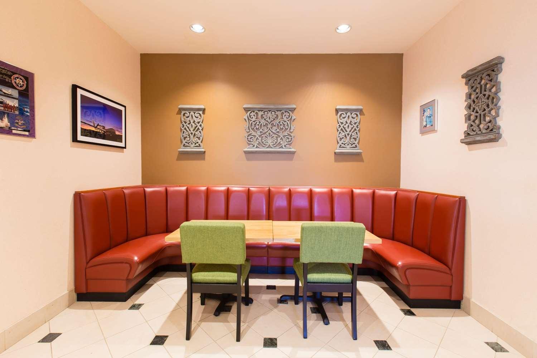 Restaurant - Hilton Garden Inn Grand Forks