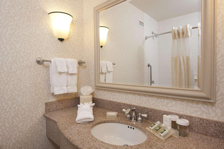 Room - Hilton Garden Inn Grand Forks