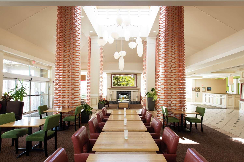Lobby - Hilton Garden Inn Grand Forks