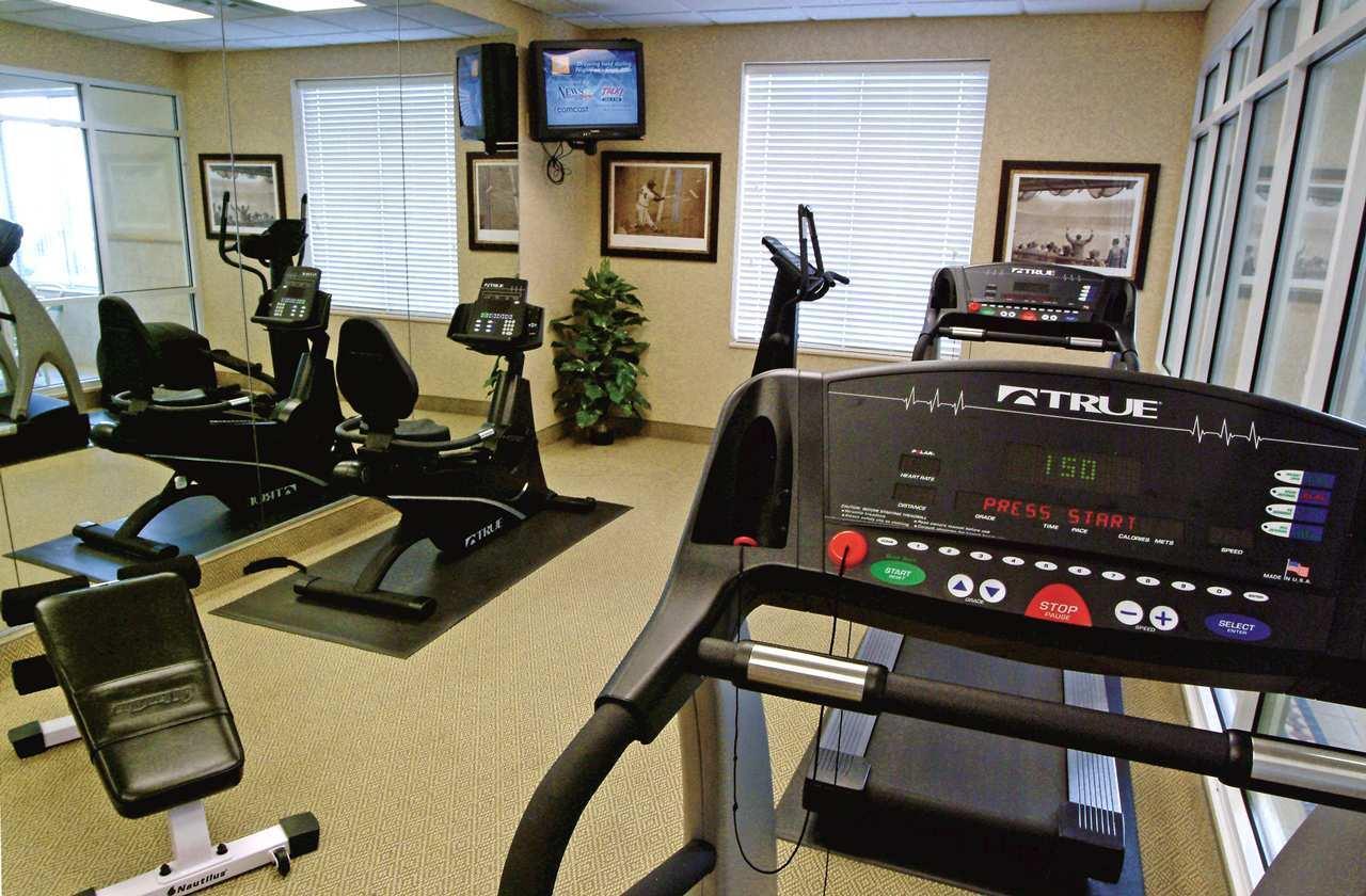 Fitness/ Exercise Room - Hilton Garden Inn Olathe