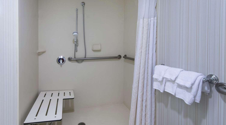 Room - Hilton Garden Inn Mercer University Macon