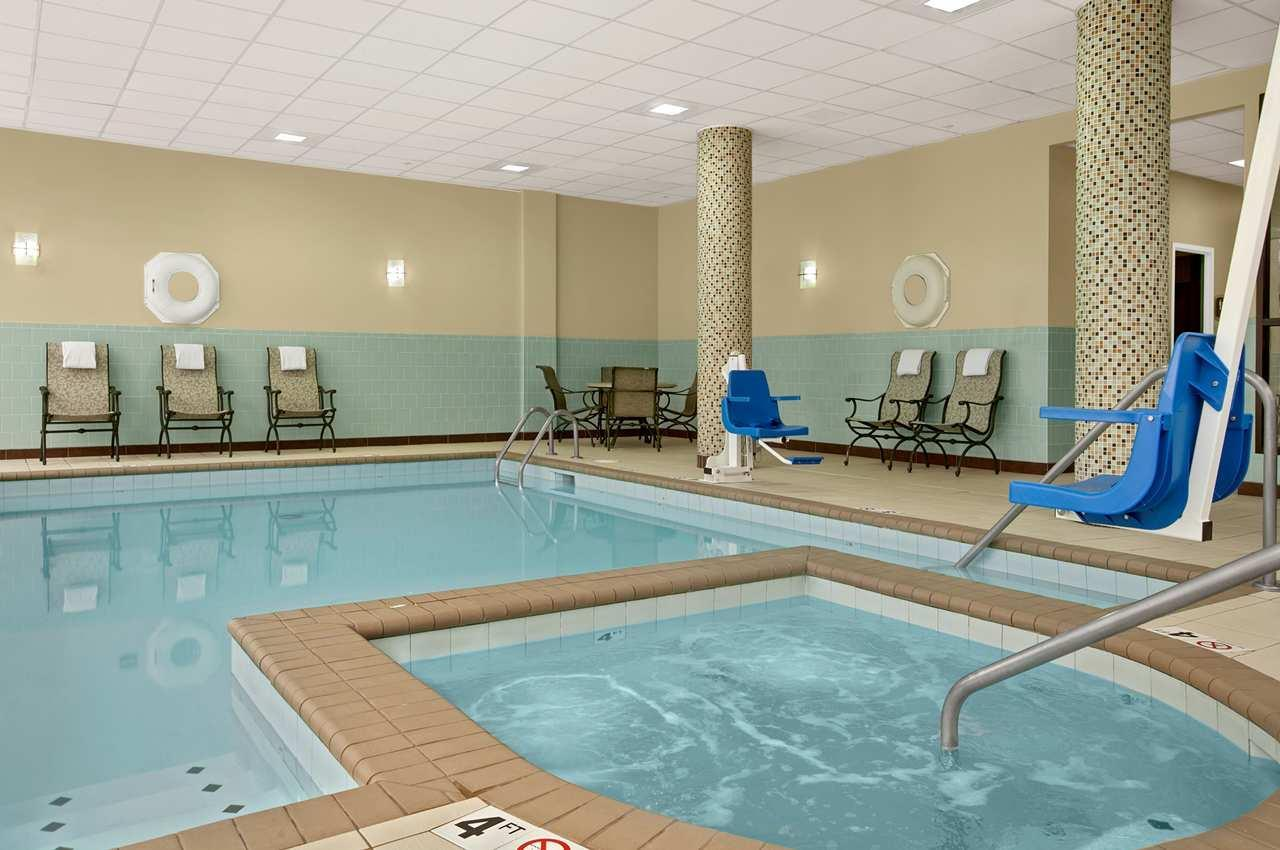 Pool - Embassy Suites Overland Park