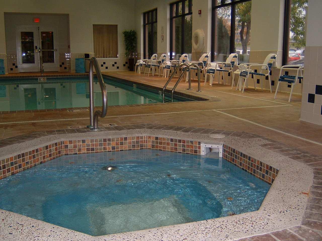 Spa - Hampton Inn & Suites Merriam