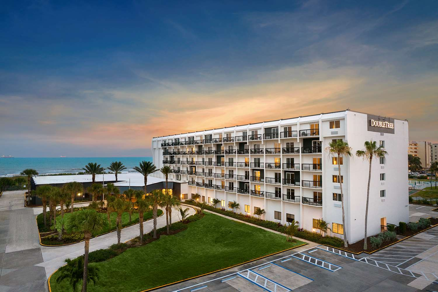 DoubleTree by Hilton Cocoa Beach-Oceanfront