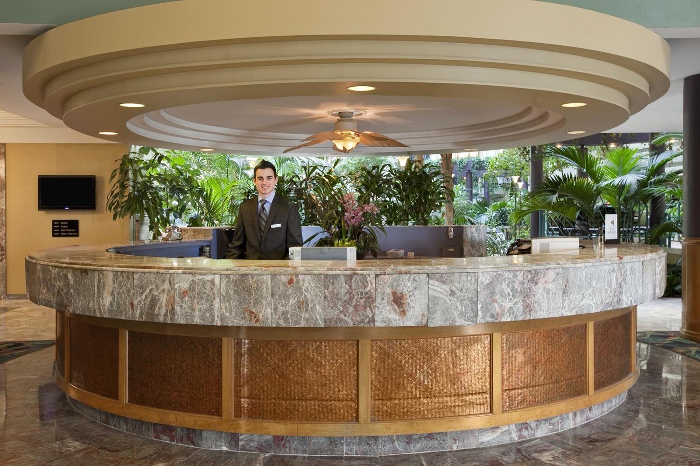 Lobby - Embassy Suites Minneapolis Airport Bloomington