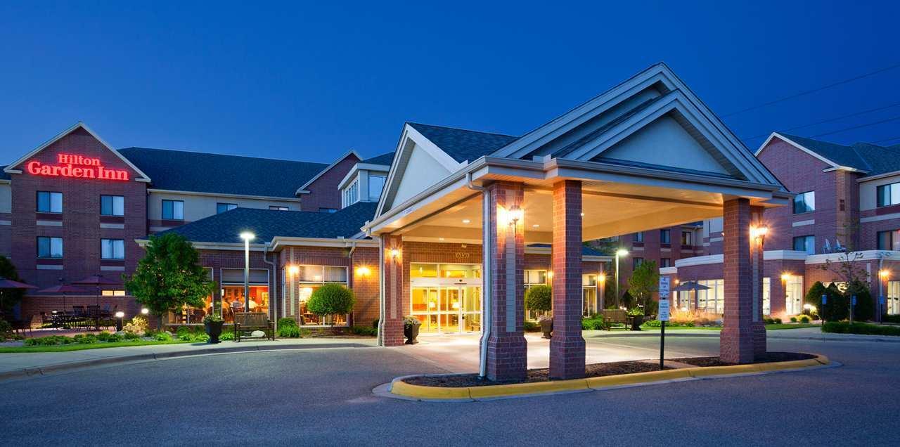 Exterior view - Hilton Garden Inn Maple Grove