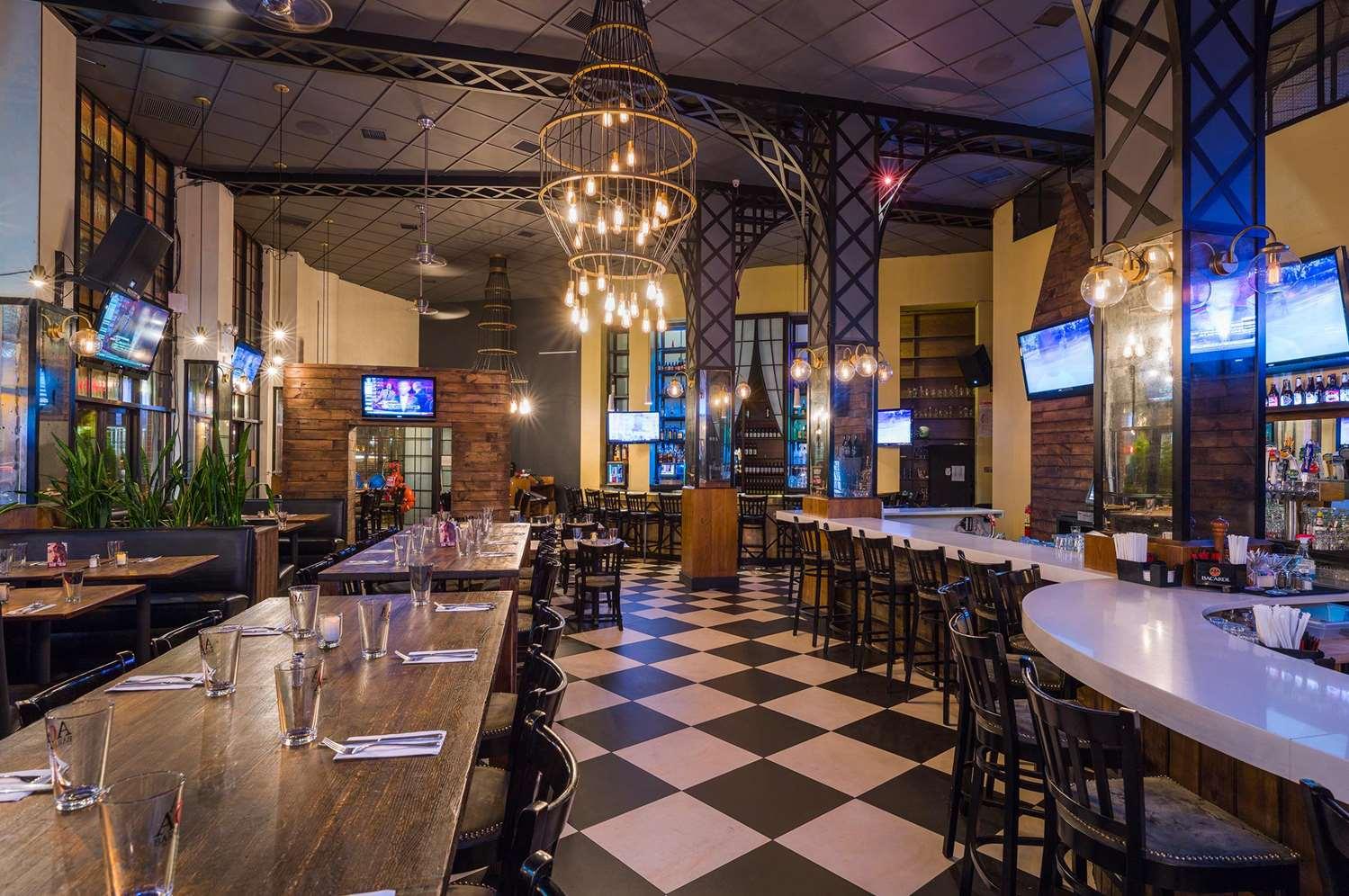 Restaurant - Hilton Garden Inn Tribeca New York