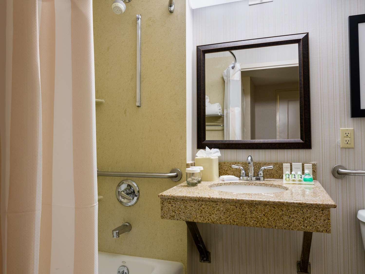 Room - Hilton Garden Inn Tribeca New York