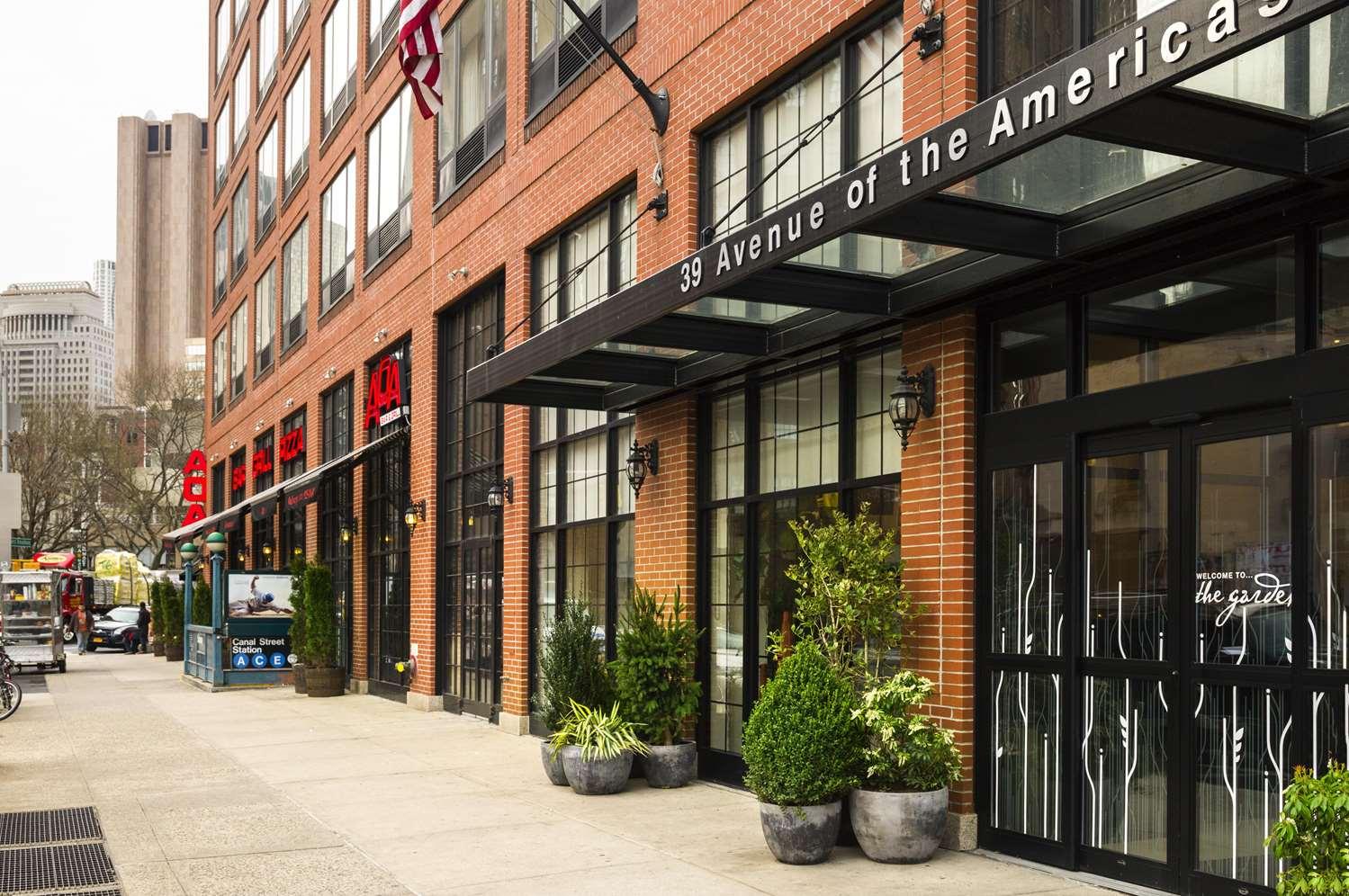 Exterior view - Hilton Garden Inn Tribeca New York