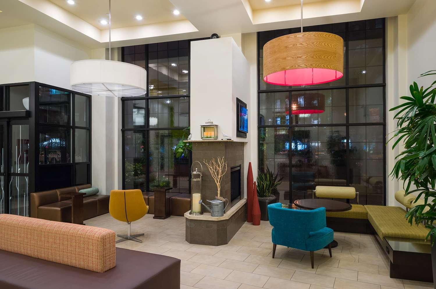Lobby - Hilton Garden Inn Tribeca New York