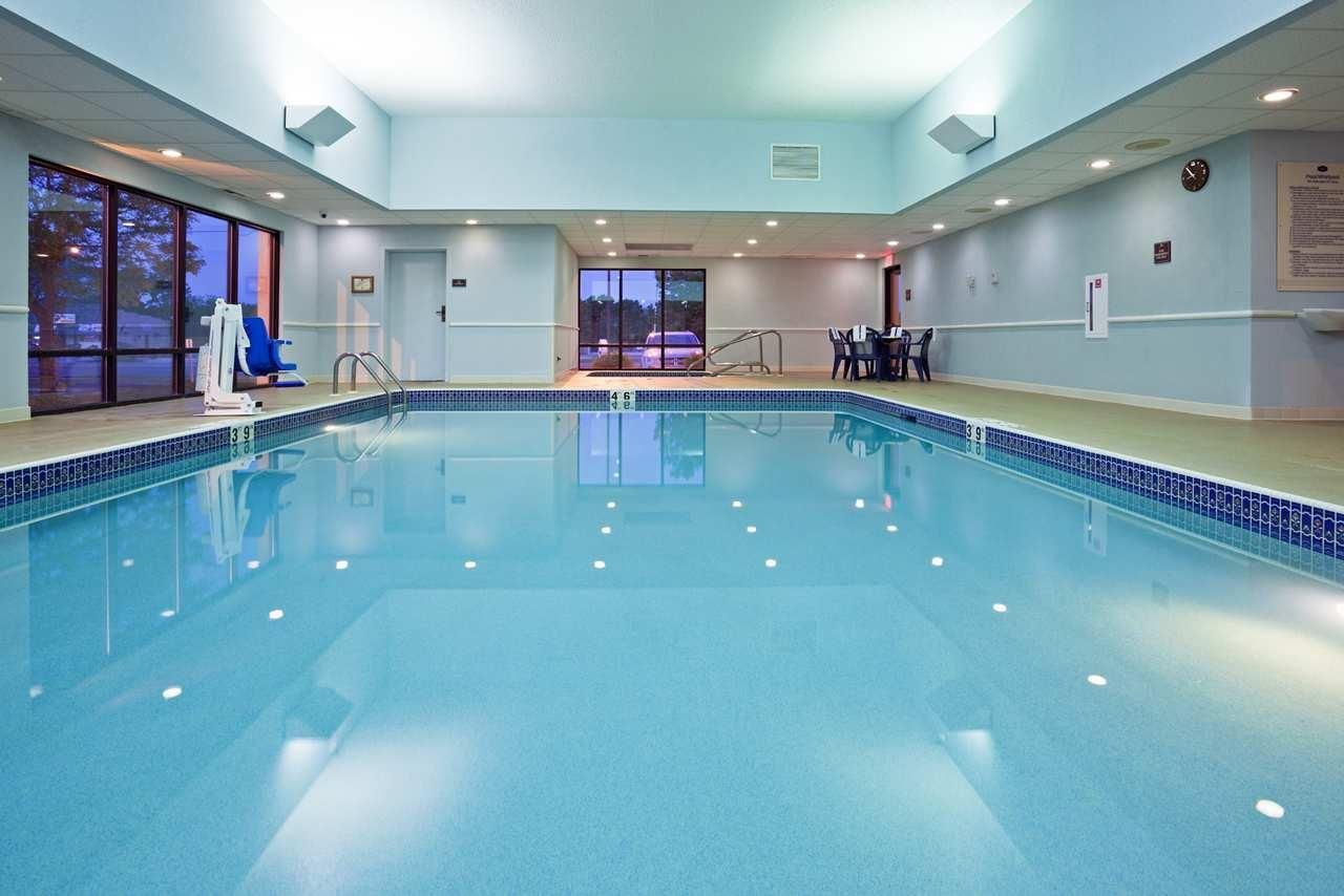 Pool - Hampton Inn Rochester