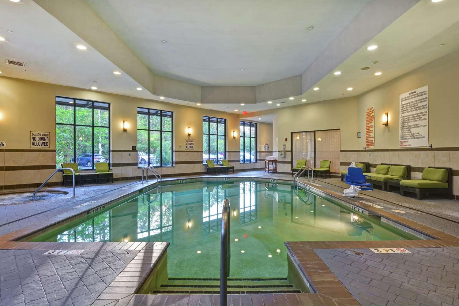 Pool - Embassy Suites Airport Savannah