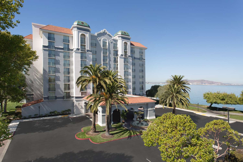 Exterior view - Embassy Suites San Francisco Airport Burlingame