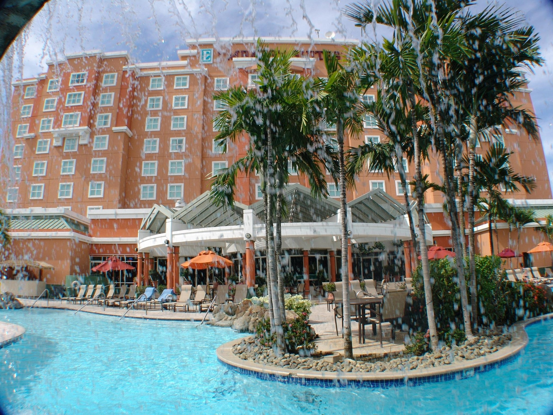 Pool - Embassy Suites & Casino Isla Verde San Juan