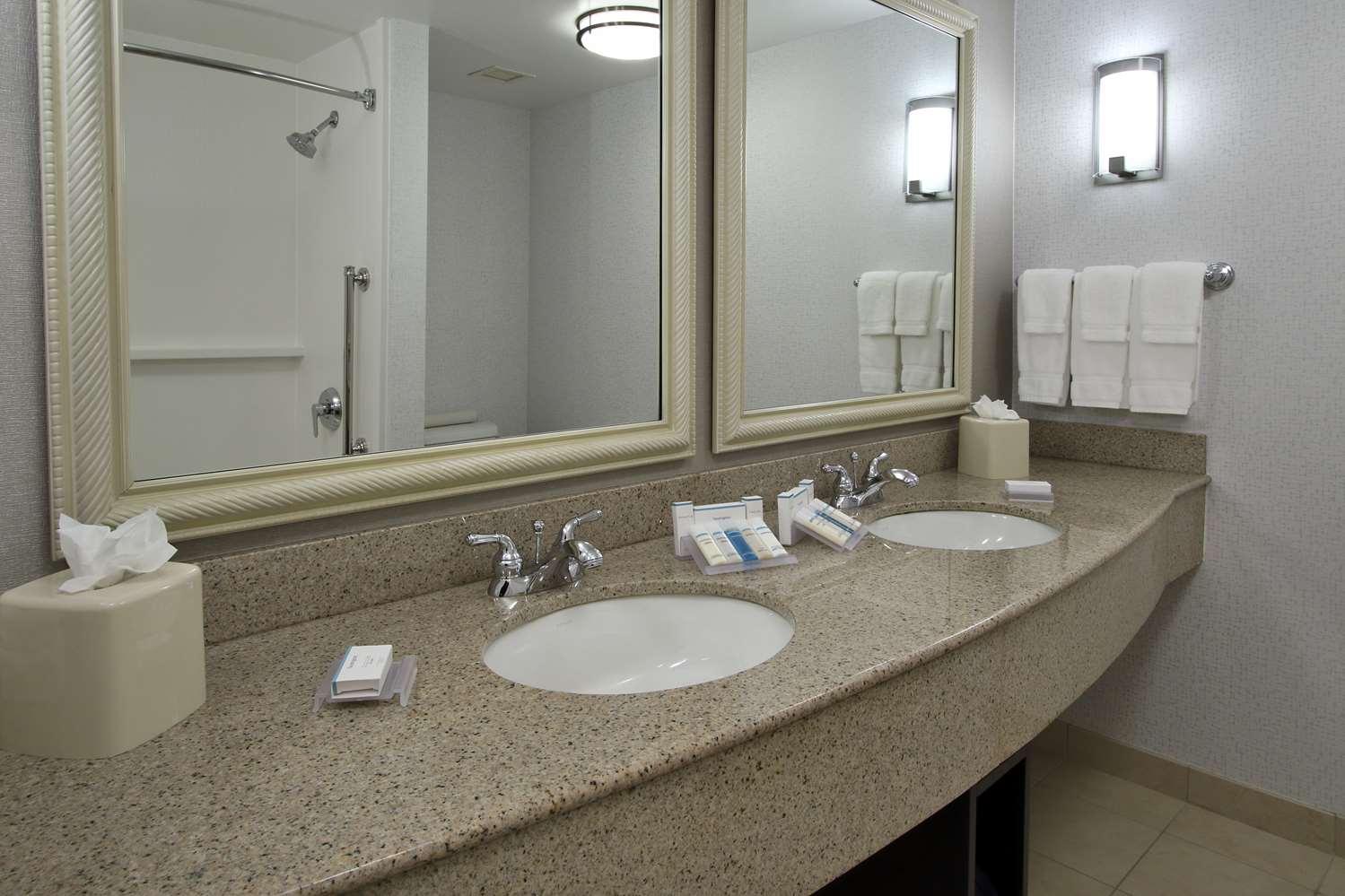 Room - Hilton Garden Inn Santa Rosa