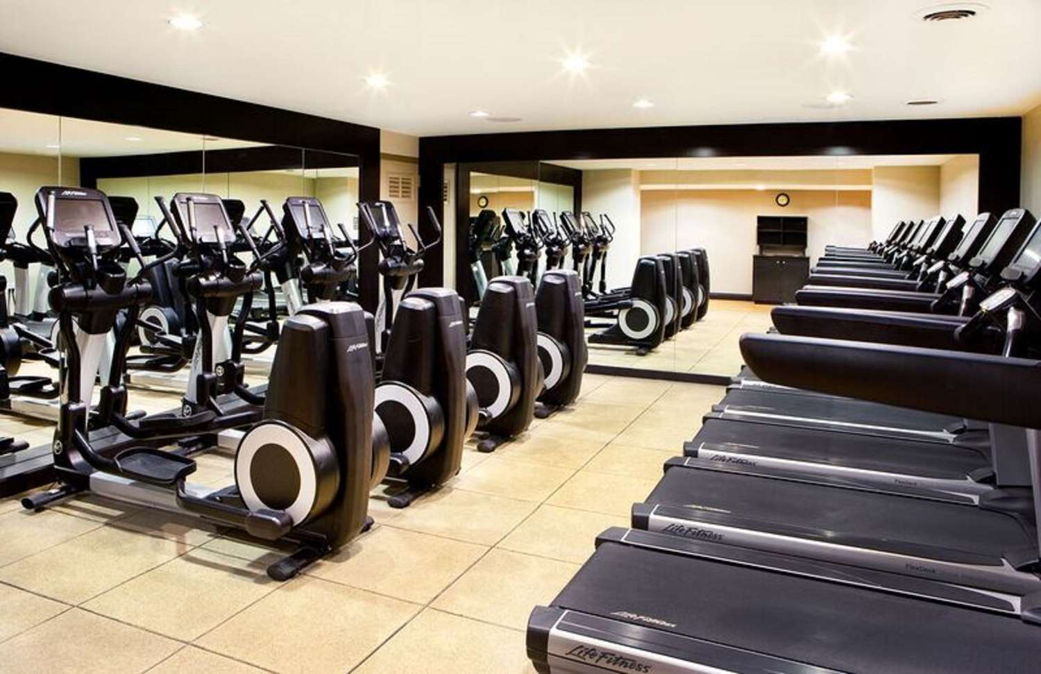 Fitness/ Exercise Room - Hilton Hotel Woodcliff Lake