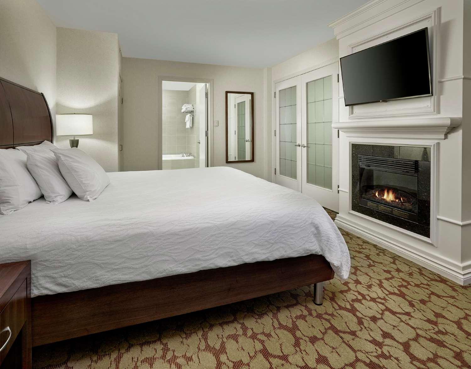 Amenities - Hilton Garden Inn West Edmonton