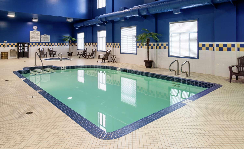 Pool - Hilton Garden Inn West Edmonton