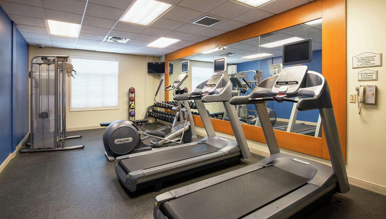 Fitness/ Exercise Room - Hilton Garden Inn West Edmonton