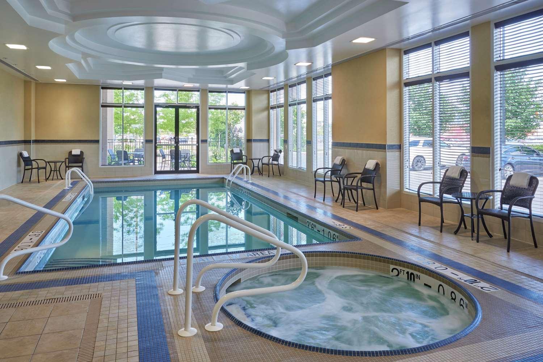 Pool - Hilton Garden Inn Toronto Airport West Mississauga