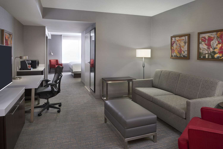 Room - Hilton Garden Inn Toronto Airport West Mississauga