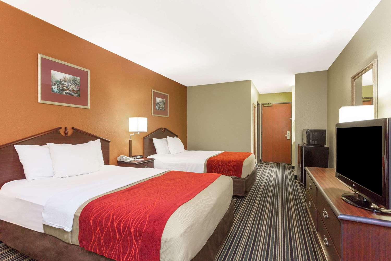 Room - Baymont Inn & Suites Cordele