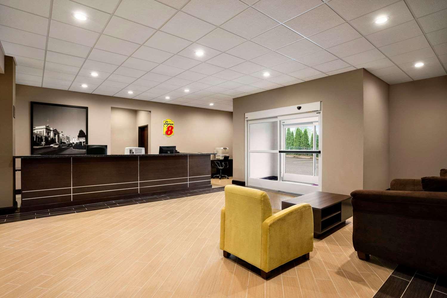 Lobby - Super 8 Hotel Hershey