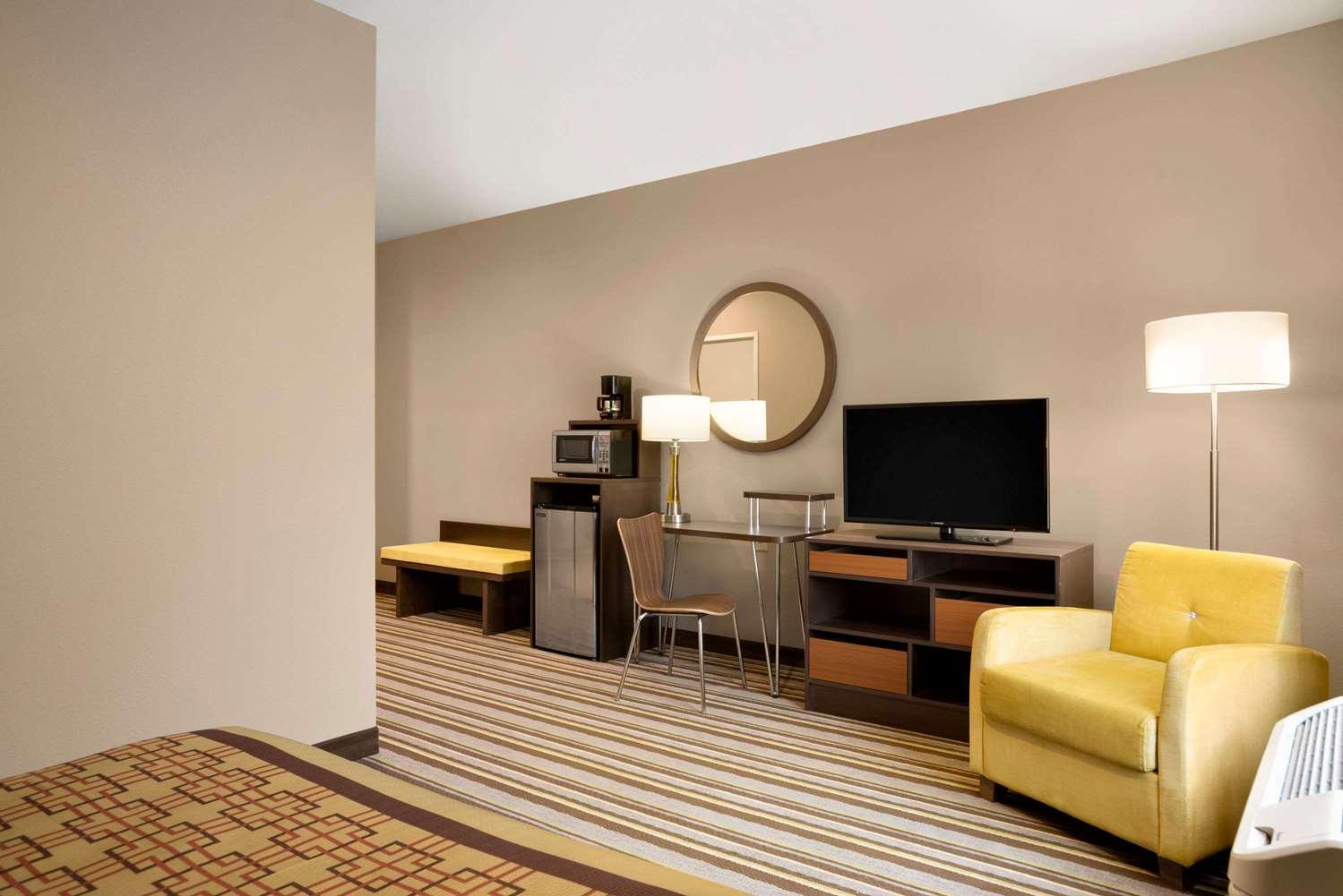 Room - Super 8 Hotel Hershey