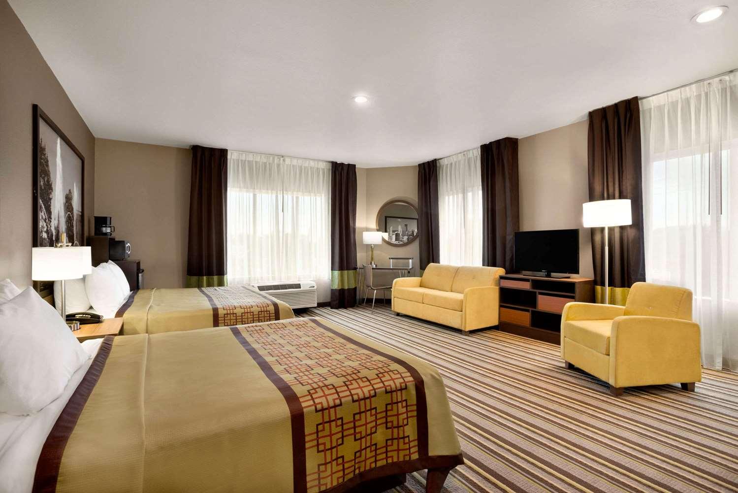 Suite - Super 8 Hotel Hershey