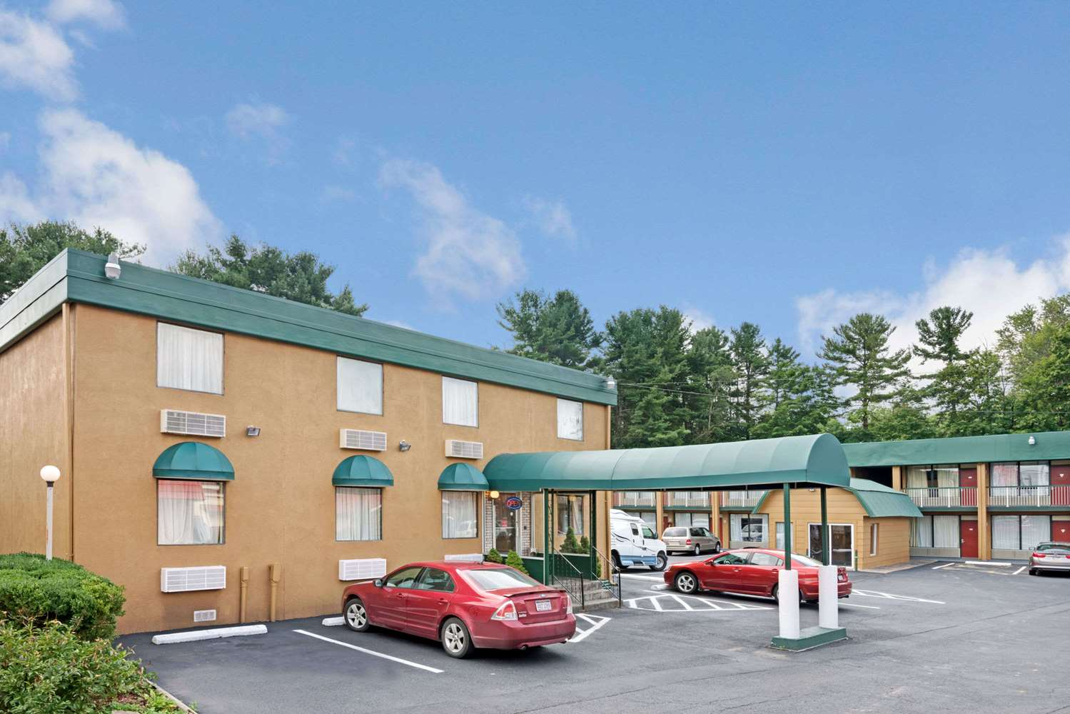 Exterior view - Travelodge Beckley