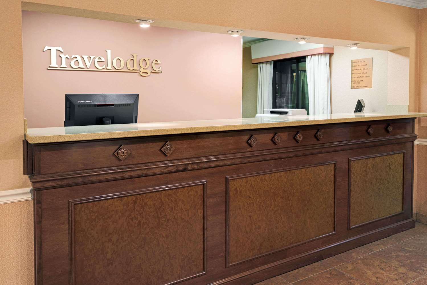 Lobby - Travelodge Beckley