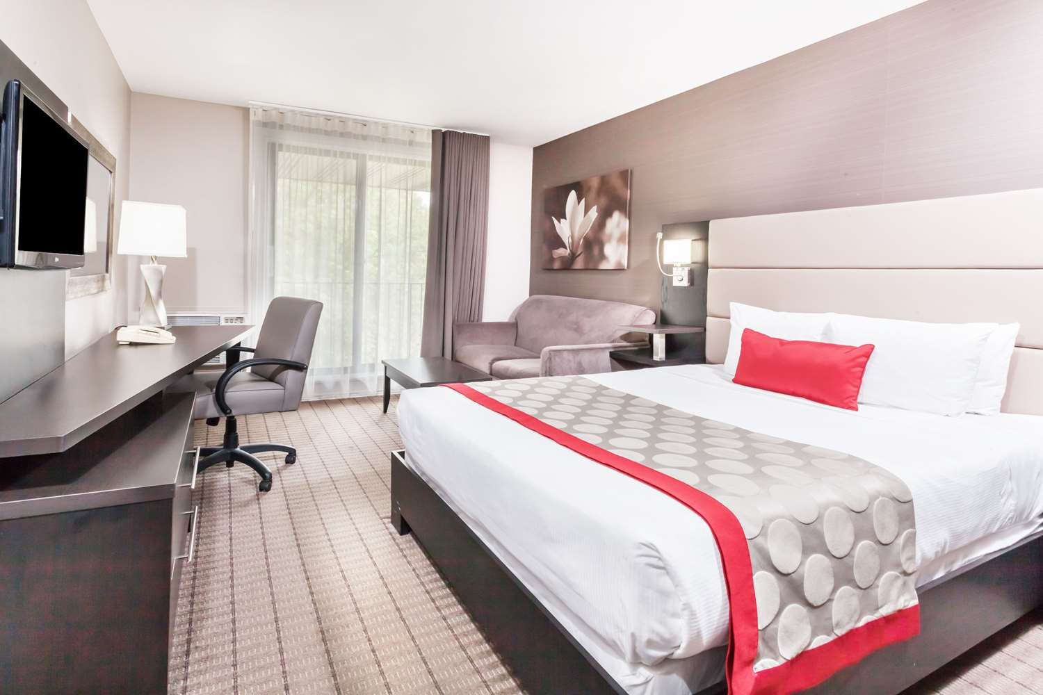 Room - Ramada Ottawa Hotel on the Rideau