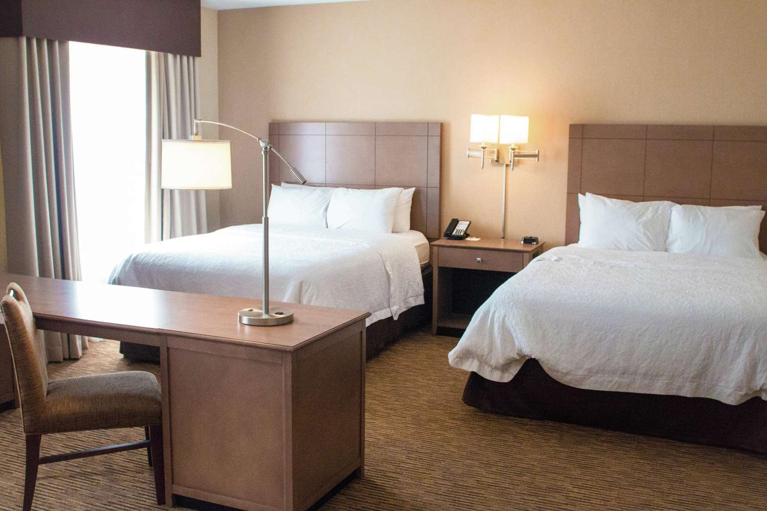 Room - Hampton Inn & Suites FieldhouseUSA Frisco
