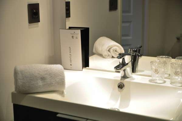 Hotel HOTEL GOLDEN TULIP NANTES CARQUEFOU SUITES - Apartment