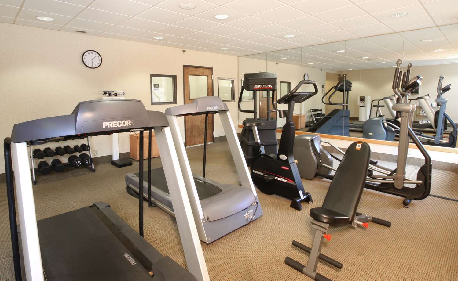 Fitness/ Exercise Room - Meadowlands River Inn Secaucus