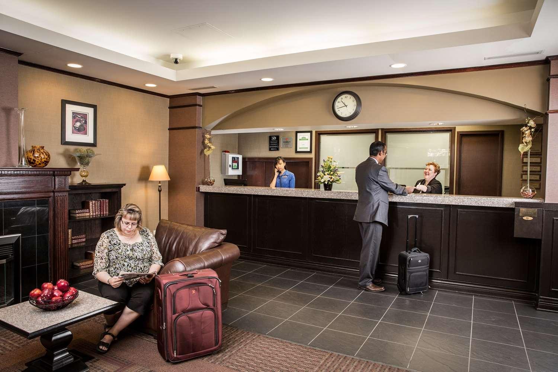 Lobby - Campus Tower Suite Hotel Edmonton