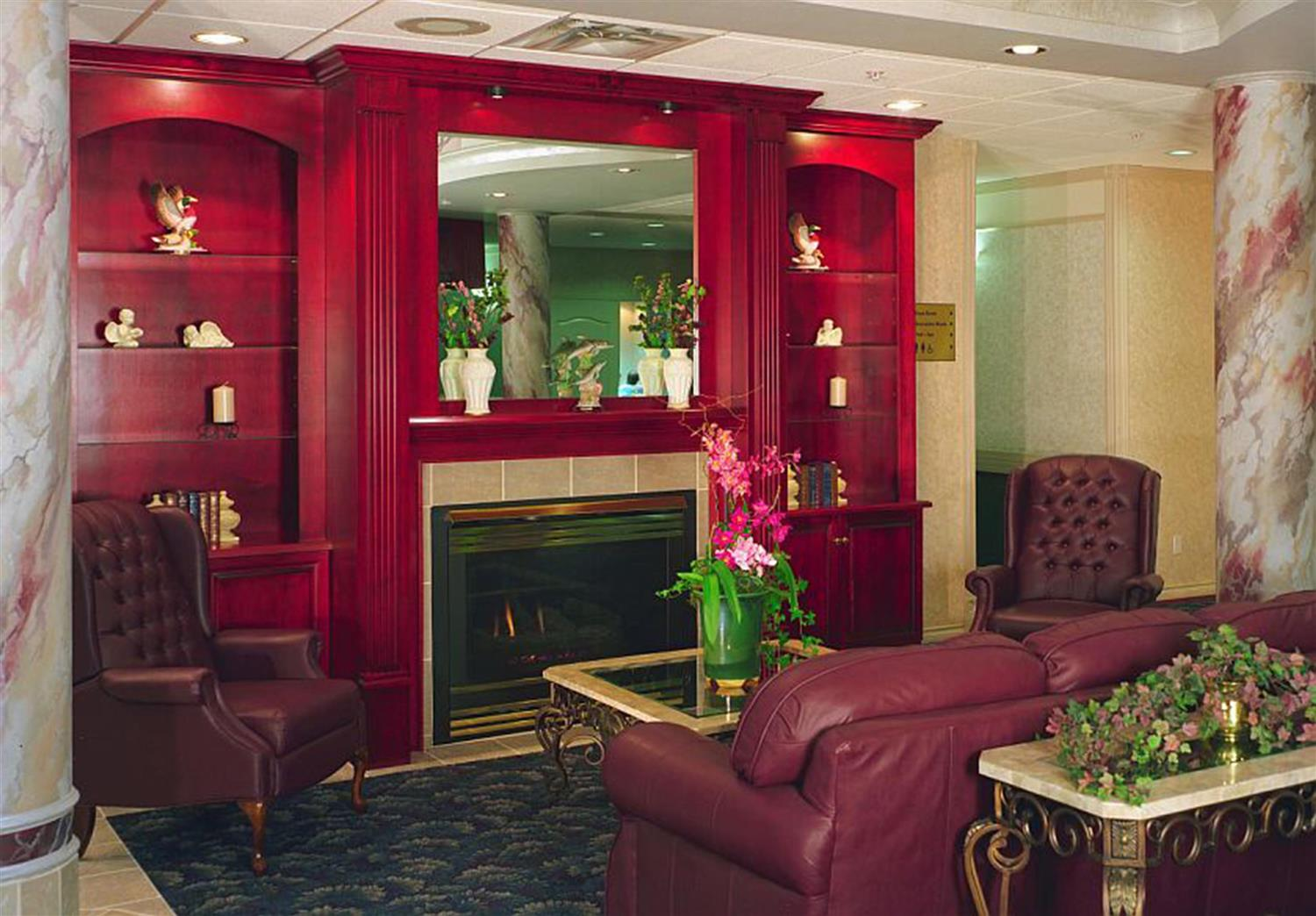 Lobby - Coast Abbotsford Hotel & Suites